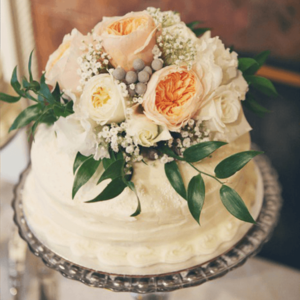 Win a FREE Wedding Cake